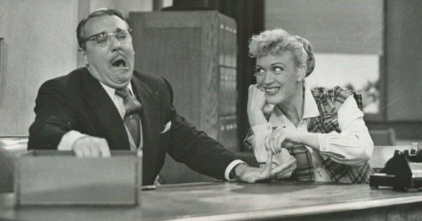 1950s TV comedy scene.